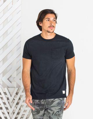 T-Shirt-Spray-Preto-012830-01