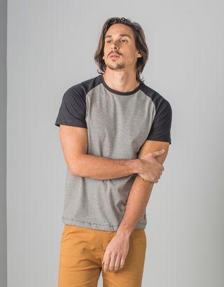 T-Shirt-Preto-013464-01
