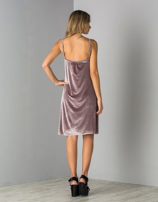 Vestido--Veludo-Alca-Fina-Cinza-013840-02