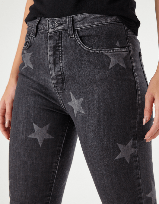 021365_0002_2-BOYFRIEND-DENIM-STARS